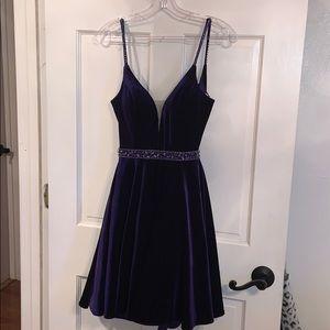 Velvet purple Alice Paris padded size 00 dress